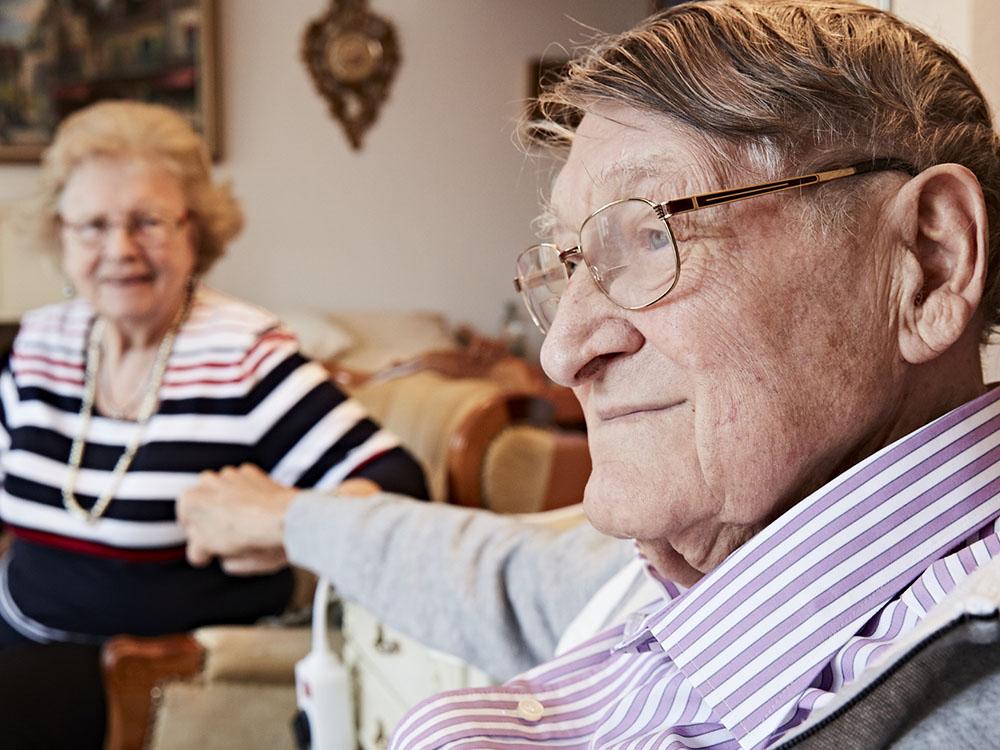 Ehemann mit seiner Frau
