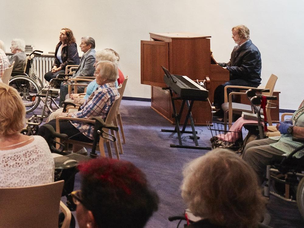 Musik und Gesang während der Messe